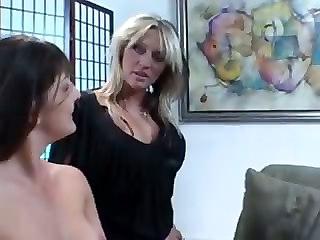 Lesbian Pickups